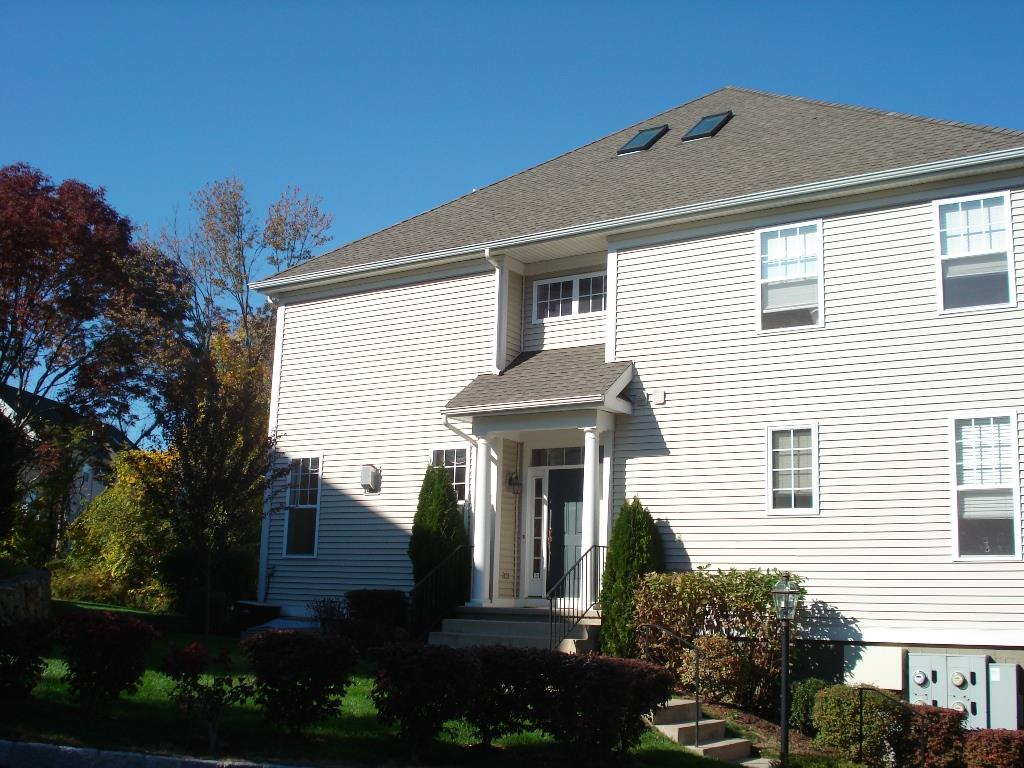 Fenton Model Home at Woodland Hills Danbury CT