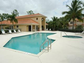 Hawksridge Naples Fl clubhouse pool