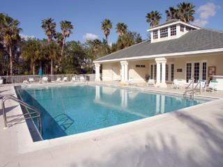 Wilshire Lakes Naples Fl neighborhood pool