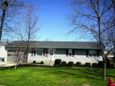 356 Jones Rd., Wellington, Ohio 44090, 3 Bedrooms Ranch, Large Fenced Yard, 1500 Square feet, Part Finished Basement, Many Updates