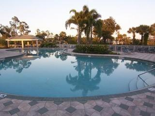 Vanderbilt Country Club Naples Fl neighborhood pool