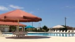 Residents of McKinney Heights can enjoy this nice pool and other neighborhood amenities.