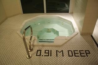 Solstice condominium whirlpool