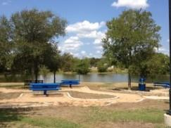 A view of the picnic area and lake in Bradfield Park!