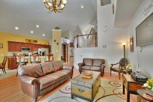 rent a pool home in Windsor Palms