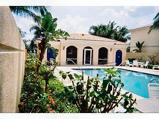 The Cove Naples Fl neighborhood pool