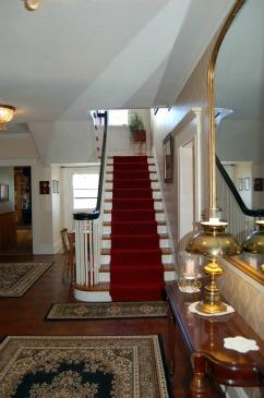 Country Real Estate - Elegant Staircase