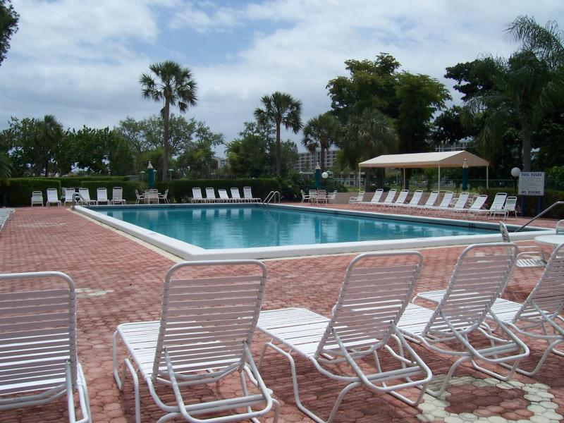 Palm Aire Heated Pool & Saunas