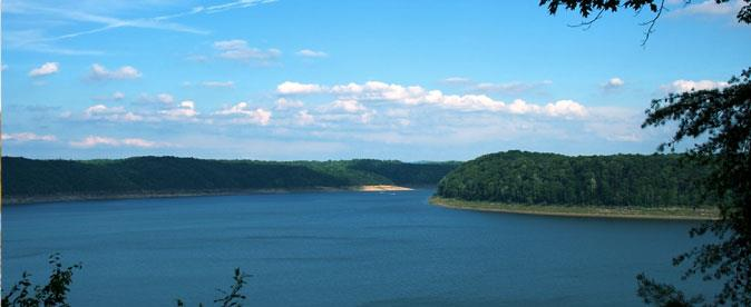 Lake Cumberland Properties Slide 02