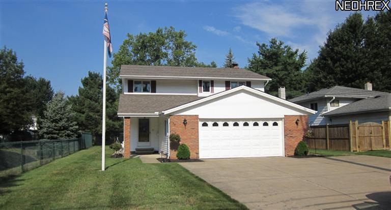 4006 Dover Center Rd., North Olmsted, Ohio, 44070, SOLD HOMES, 4 bedrooms, 2.5 baths, colonial home, finished basement, 2 car garage, updated, fireplace, JoAnn Abercrombie, REMAX Pros