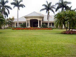 Stonebridge Naples Fl neighborhood clubhouse