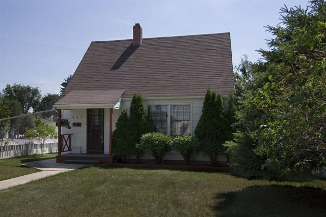Photos of Typical Homes in Buena Vista, Saskatoon