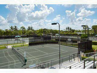 Sterling Oaks Naples F tennis courts