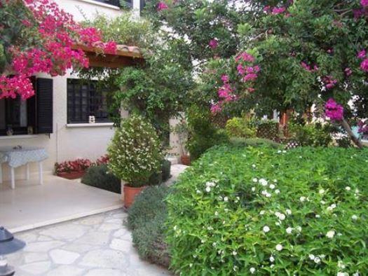 Kamares villa and garden
