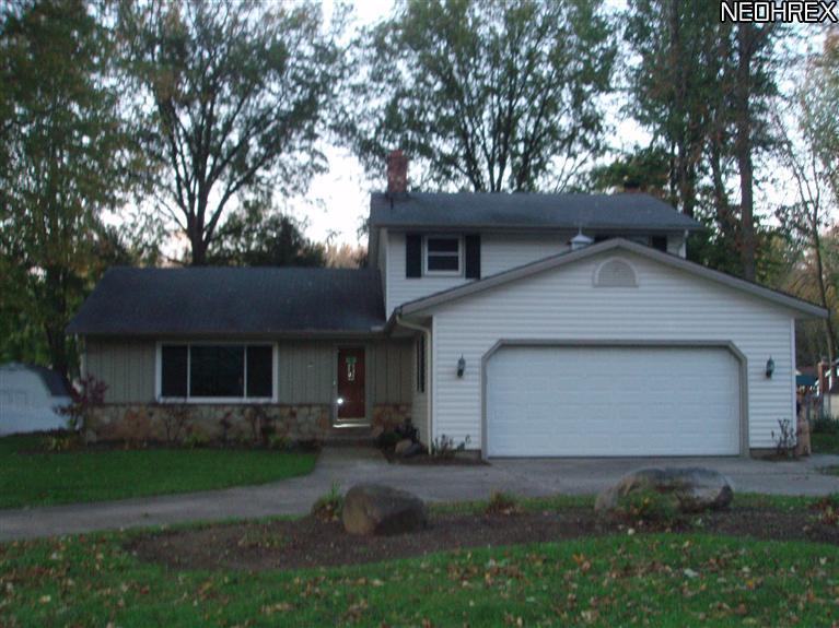 34102 Gail Dr, North Ridgeville, Ohio, 44039, SOLD HOME, 4 Bedroom, 2 Full Baths, 2 car attached garage, Split level home, large wooded lot, fenced, skylights, fireplace, gas heat, deck, $150000
