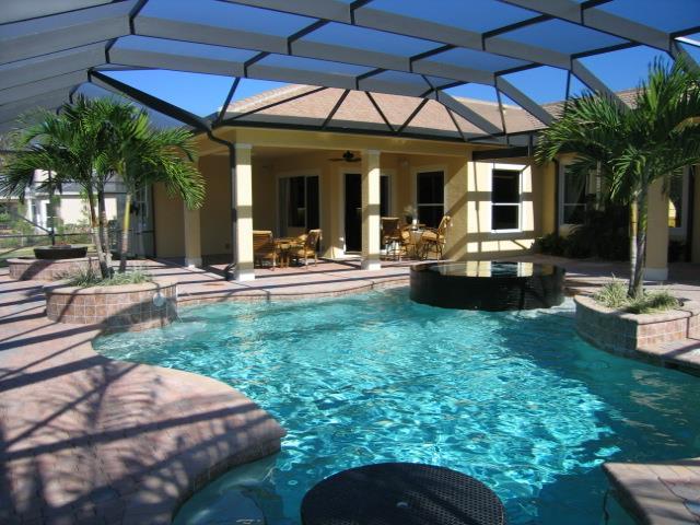 Hibiscus Pool