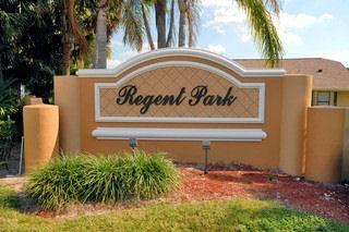 Regent Park Naples Fl community entrance