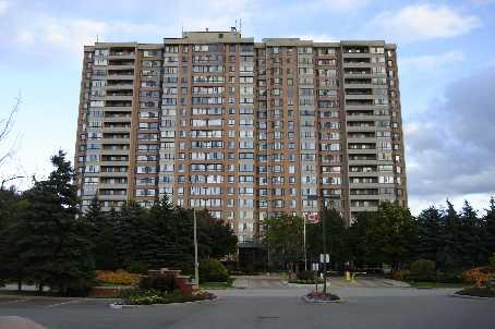 100 Country Crt., Blvd. The Crown East:  Luxury Building, Close To 401/407/410. Walk To Shopping Mall, School, Buses. 24HR Guard Security, Outdoor pool, exercise room, sauna. Undergroud car wash, library, Barbecue areas, etc.,Ensuite  Laundry, Restriction on pets, good value for your money, Contact MyDaddy today for the best in Brampton Condos.