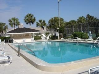 Victoria Lakes Naples Fl neignborhood pool