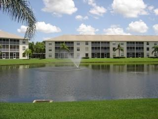 Victoria Lakes Naples Fl condos for sale