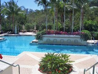 Cove Towers Naples Fl community pool