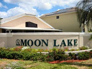 Moon Lake Naples Fl sign