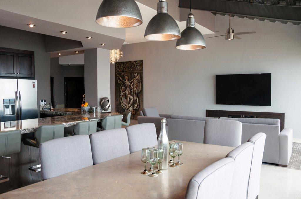 La Jolla Excellence interior finishes - Dining Table
