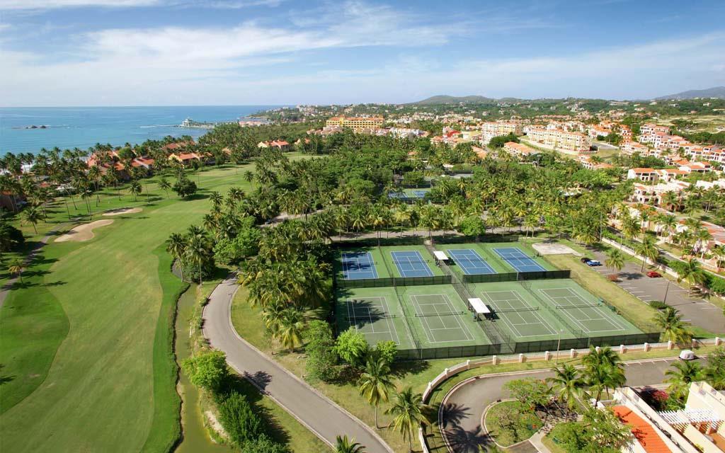 "<img data-cke-saved-src=""tennis src=""tennis _fcksavedurl=""tennis courts.jpg"" alt=""Palmas del Mar tennis Center"">"