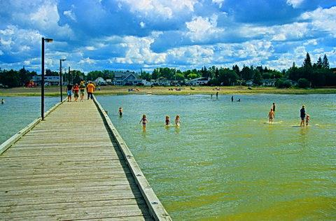 Alberta Beach Is A Village In Central Canada West Of Edmonton It Located On The Southeast S Lac Ste Anne Roximately 8 Km 5 0 Mi