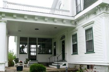 Country Real Estate Listing - Picture showing Covered Portico to Sunporch