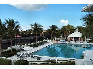 Sterling Oaks Naples Fl community pool