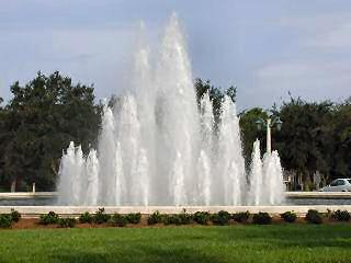 Pelican Marsh Naples Fl neighborhood fountain