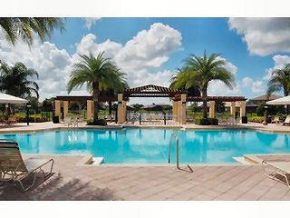 Saturnia Lakes Naples Fl community pool