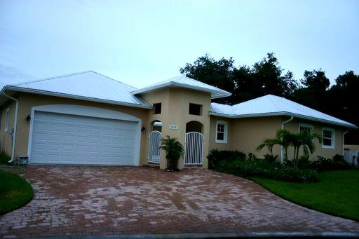 Custom Vero Beach home in private gated community