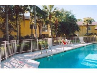 Crescent Lake Naples Fl neighborhood pool