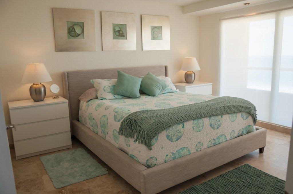 La Jolla Excellence interior finishes - Ocean View Room