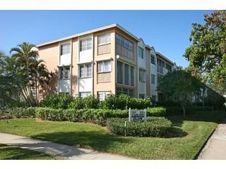 Village Green Naples Fl condos