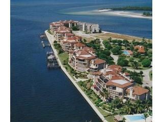 Isles of Capri Naples Fl condos for sale