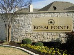 Sign at the entry to the Royal Pointe Subdivision in Pflugerville, TX