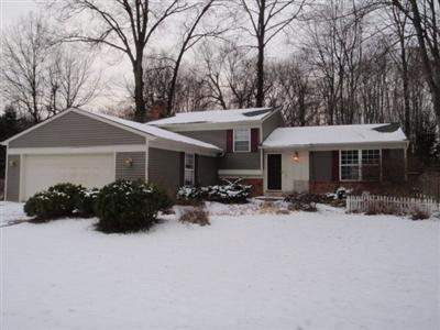 8500 Glenbrook Dr, Olmsted Twp, Ohio, 44138, SOLD HOME, 3 Bed, 2 Bath Split level, Family Room, Fireplace, Wooded lot, fenced yard, finished basement, outbuilding, $130,000