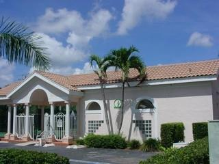 Moon Lake Naples Fl community clubhouse