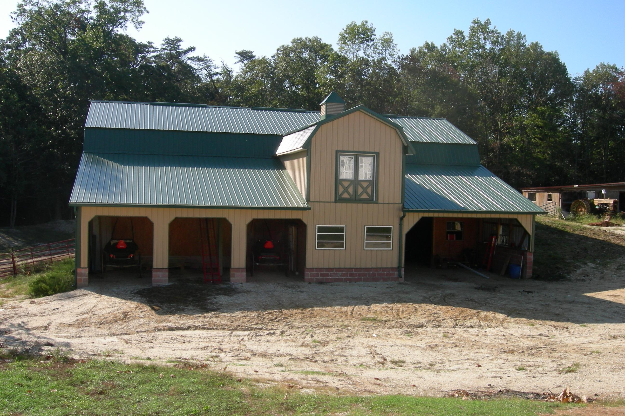 Southern Maryland's Finest Equestrian and Horse Stables by Amish Craftsmen in Charles County MD