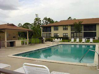 Fountains Naples Fl clubhouse pool
