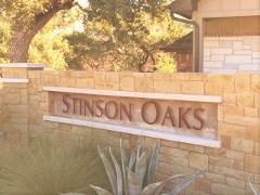 Stinson Oaks neighborhood sign in South Austin