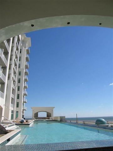 Galveston Condo -Emerald by the Sea pool