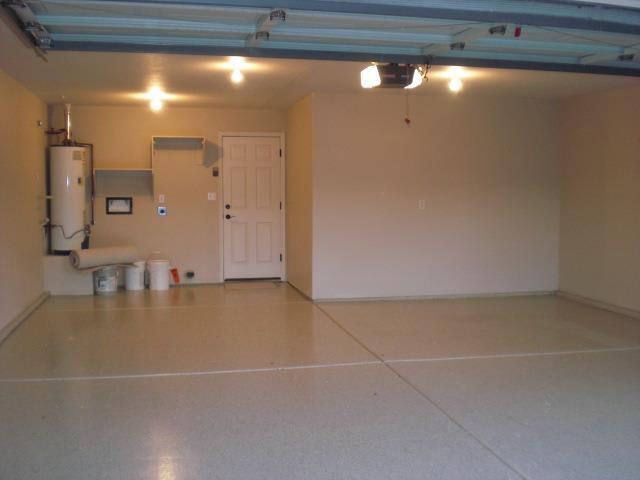 Mirada 2 car garage with terrific new floors