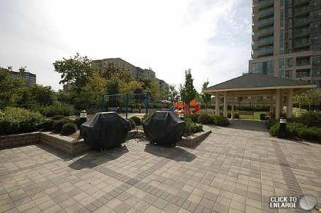 3504 Hurontario condominium outside patio