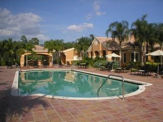 Napoli Naples Fl neighborhood pool