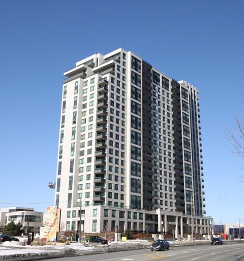 Universal condominium Mississauga 335 Rathburn Road