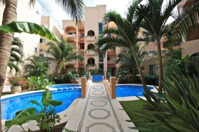 Puerto Aventuras condo only $275K
